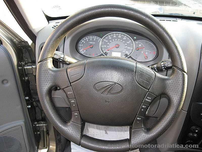 comandi volante mahindra